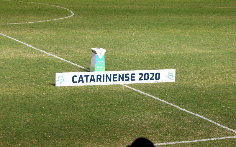 Fase Final do Catarinense 2020 retornará com os jogos de volta das quartas de final nos dias 28 e 29 de julho. Foto: Divulgação/FCF.