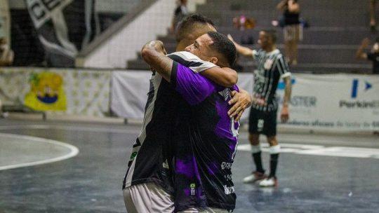 A Copa do Brasil de Futsal está nas semifinais, e no último domingo (15) tivemos o confronto entre Ceará e Corinthians, no Ginásio Vozão e acabou empatado no placar de 2 a 2, tudo isso com uma super transmissão da CBFS TV.